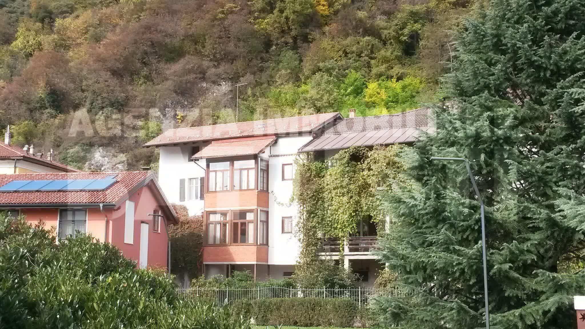 Porzione in centro a borgo immobiliare battisti for Piani casa sul tetto di bassa altezza