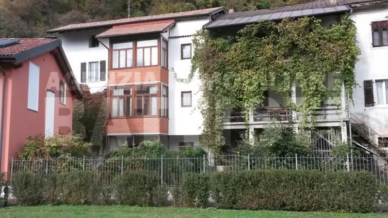 Porzione in centro a borgo immobiliare battisti for Piani di casa artigiano storico